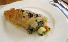 Lo strudel di pasta fillo con verdure con la ricetta sfiziosa