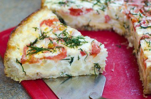 La torta salata di cavolfiore con la ricetta vegetariana