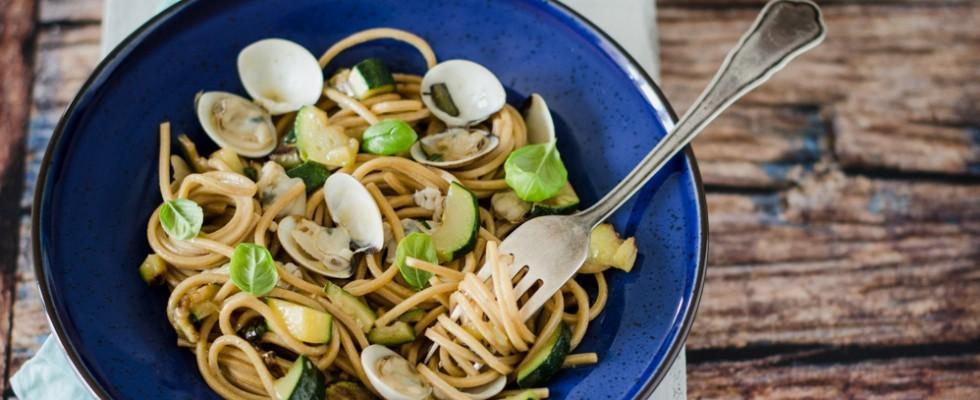 Spaghetti quadrati vongole e zucchine: terra e mare