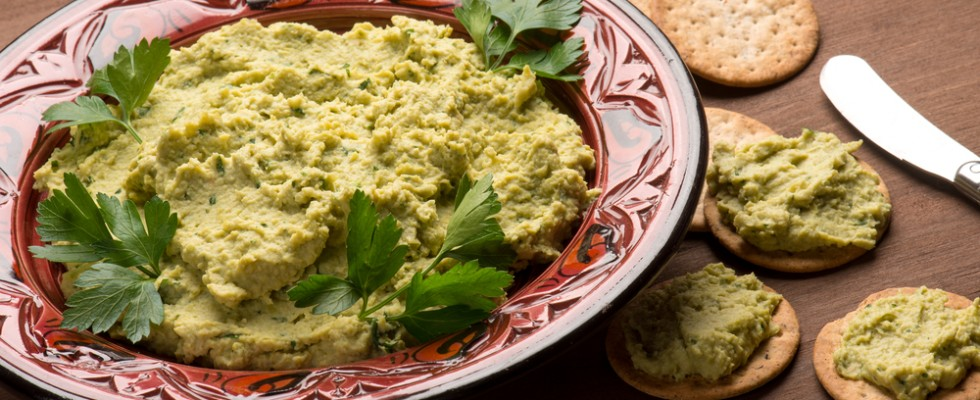 Hummus di fave, alternativa fresca all'hummus tradizionale