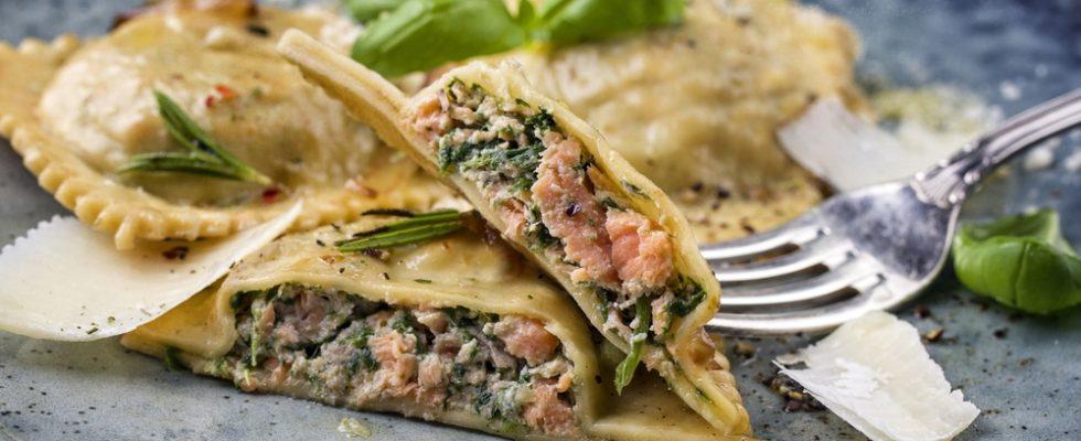 Ravioli ripieni di salmone e spinaci, abbinamento sfizioso e originale