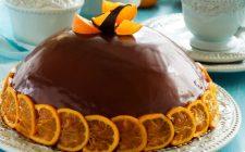La bavarese al cioccolato fondente e arancia perfetta per il dessert di fine pasto