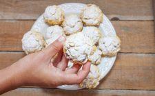 Come fare i biscotti con corn flakes e cioccolato
