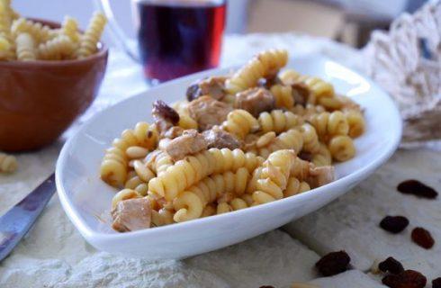 La pasta con ricciola e bottarga per un primo delizioso