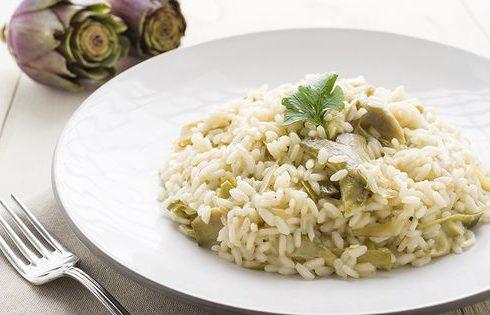 Il risotto ai carciofi e speck per un primo gustoso