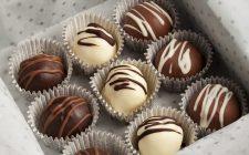 Tartufi al cioccolato con cuore al cocco: la ricetta per il Bimby