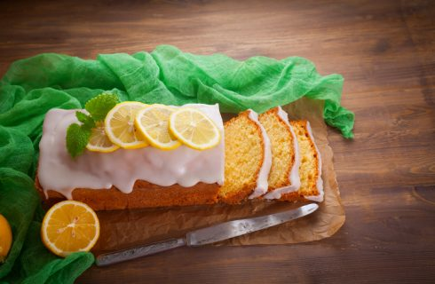 Come preparare la torta all'acqua al limone e zenzero