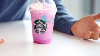 Frappuccino: Starbucks asseconda la moda dell'Unicorn food