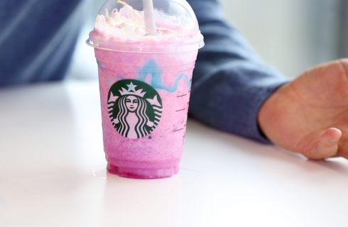 Frappuccino: Starbucks asseconda la moda dell'Unicorn food
