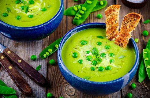 La zuppa di edamame per cene leggere e originali