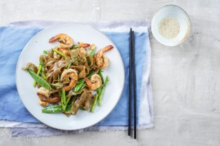 Tagliatelle di riso con gamberi, ispirazione cinese