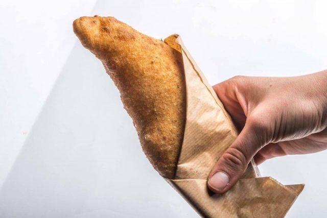 la-pizza-fritta-con-baccala-della-masardona