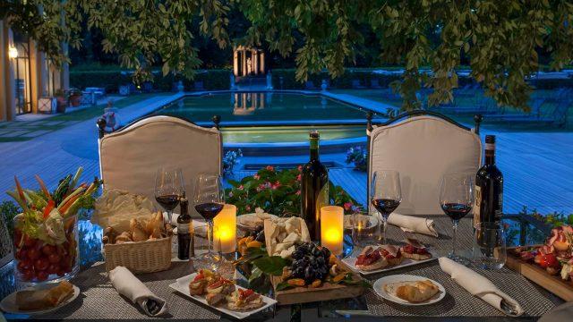 Firenze 10 locali dove mangiare all 39 aperto e godersi l for Giardino orticoltura firenze aperitivo