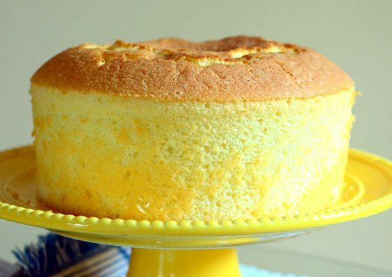 La chiffon cake alle mele perfetta per la colazione