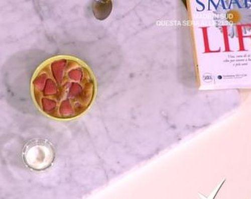 Fragole in cocotte, la video ricetta del dessert di fine pasto