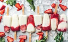 La ricetta dei ghiaccioli allo yogurt senza zucchero per chi è a dieta