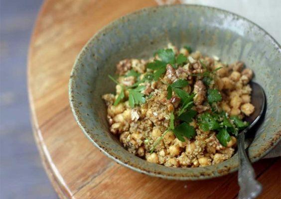 L'insalata di bulgur e ceci per un pranzo sano e nutriente