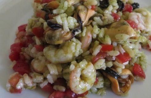 Come preparare l'insalata di riso alla marinara con la ricetta leggera