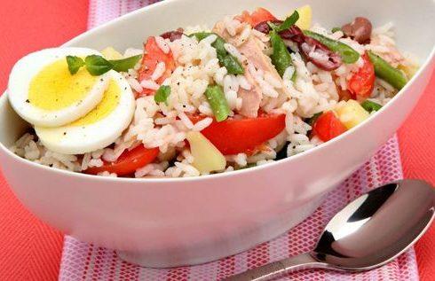 L'insalata di riso alla nizzarda pronta in poche mosse