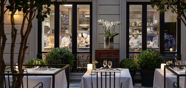 milan-fine-dining-seta-courtyard-kitchen