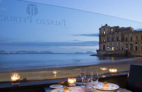 Napoli: 9 ristoranti per mangiare all'aperto e godersi l'estate