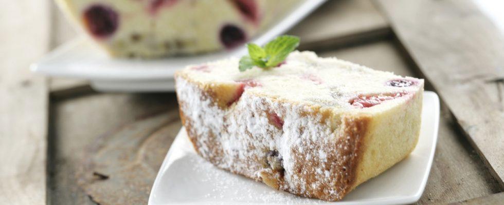 Il plumcake alle ciliegie, la ricetta del dolce di primavera