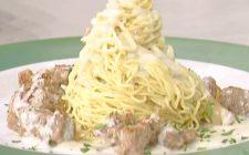 Tajarin con salsiccia e finocchi su fonduta di gorgonzola, la video ricetta della Prova del cuoco