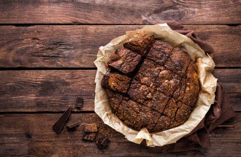 Come preparare la torta zucchine e cioccolato vegan