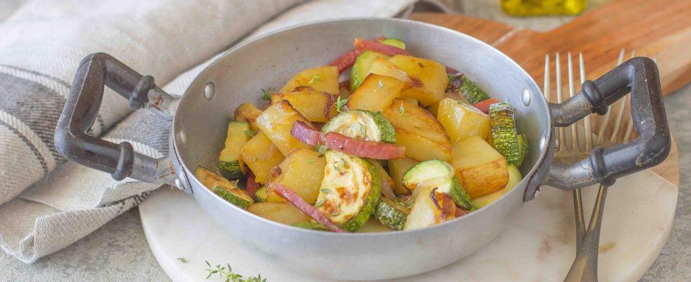 Patate e zucchine in padella, il contorno dell'estate
