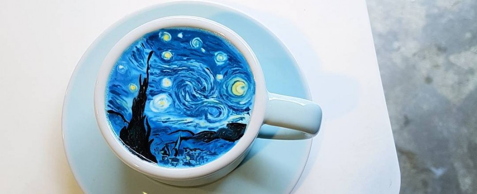 Su Instagram tutti vogliono i cappuccini artistici di Lee Kang Bin