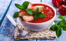 Il gazpacho di fragole con la ricetta fresca