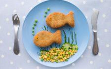 Come fare l'insalata con le polpette di pesce