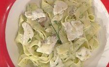 La video ricetta dei maltagliati all'erba cipollina con orata e pesto di melanzane della Prova del Cuoco
