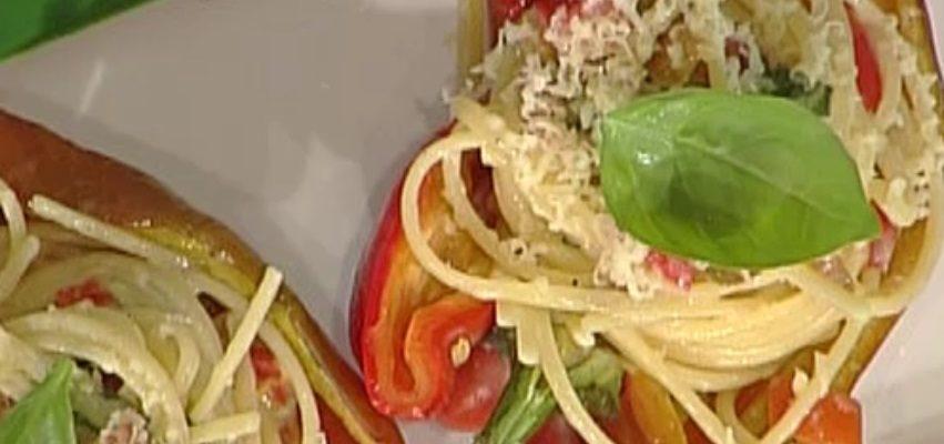 La video ricetta dei peperoni ripieni di pasta della Prova del Cuoco