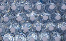 Attenzione alle bottigliette di plastica