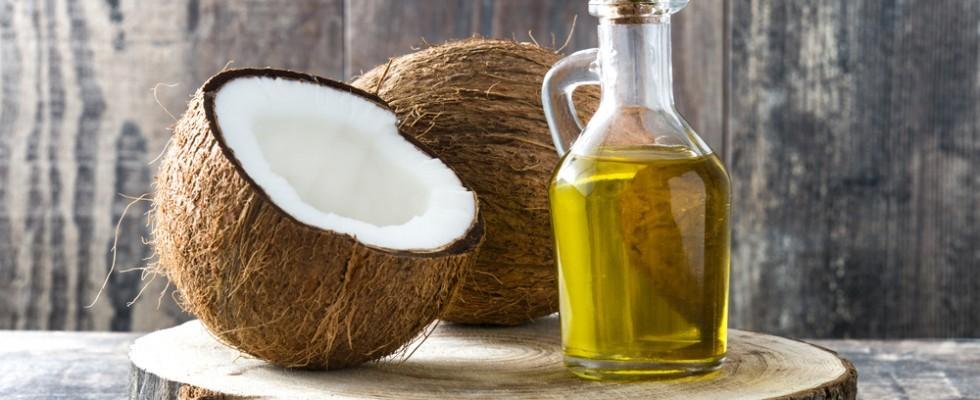 Miti da sfatare: l'olio di cocco fa male?