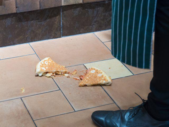 pizza per terra