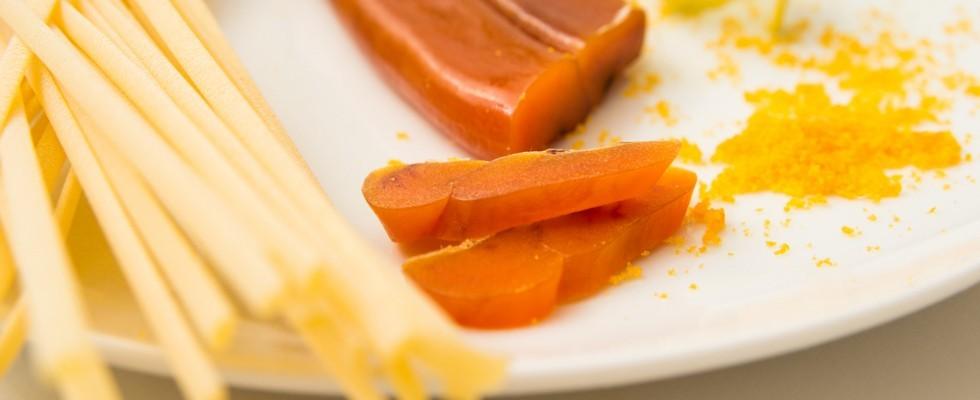 Qual è la differenza tra bottarga di tonno e di muggine in cucina?