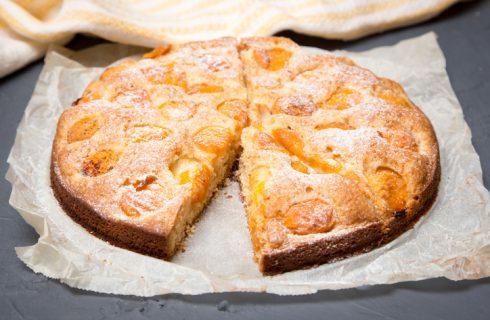 La torta di albicocche con la ricetta vegan
