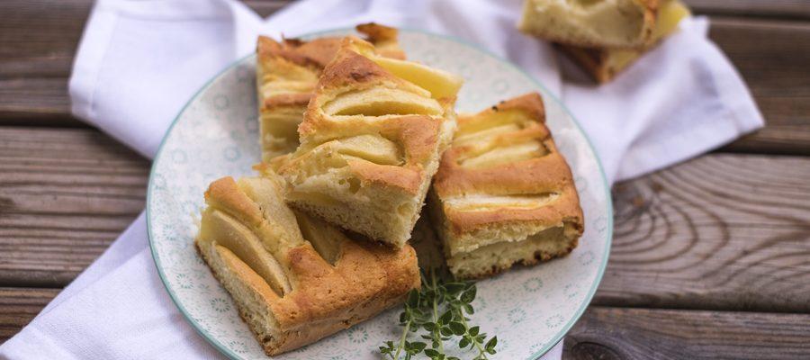 Torta di mele al limone, soffice e agrumata