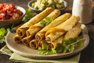 Taquitos, street food messicano