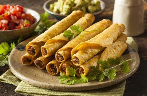 Taquitos, street food messicano