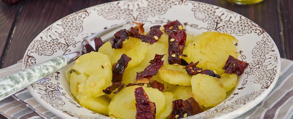 Patate e peperoni cruschi, cucina lucana