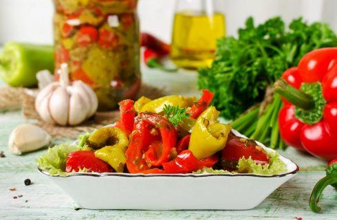 I friggitelli al forno con pomodorini con la ricetta facile