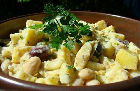 L'insalata di fagioli e patate per un contorno appagante