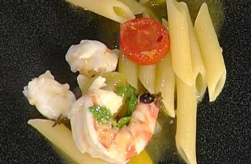La video ricetta delle penne con pomodori, mazzancolle e finocchio marino dalla Prova del Cuoco