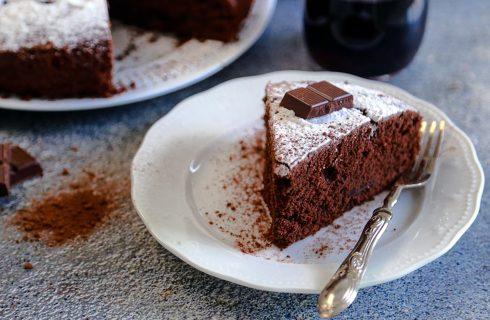 Per i più grandi: torta al vino rosso e cioccolato