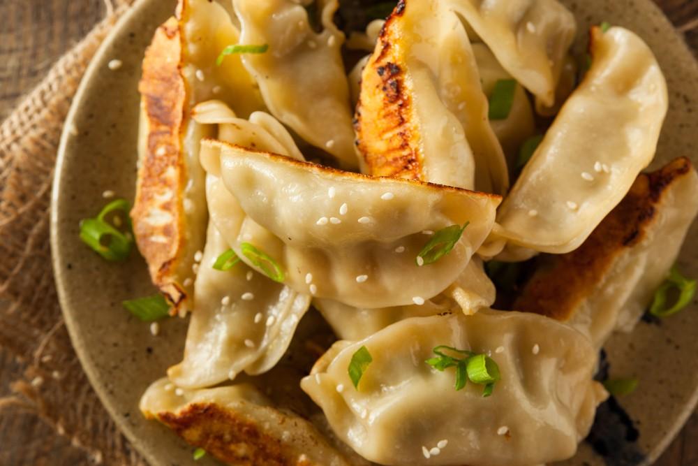 Ricetta goutie di maiale ravioli cinesi brasati agrodolce for Piatti tipici cinesi