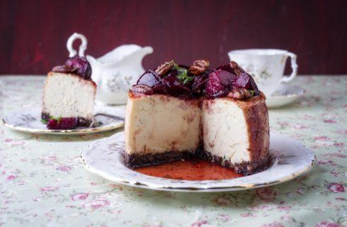 Cheesecake alle prugne con noci pecan