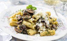 069-17-pasta-al-ragu-bianco-di-funghi